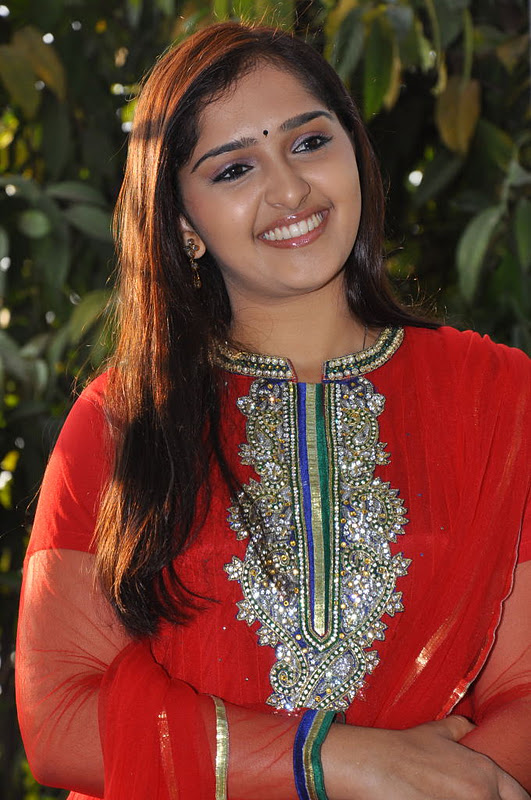 sanusha new hot images
