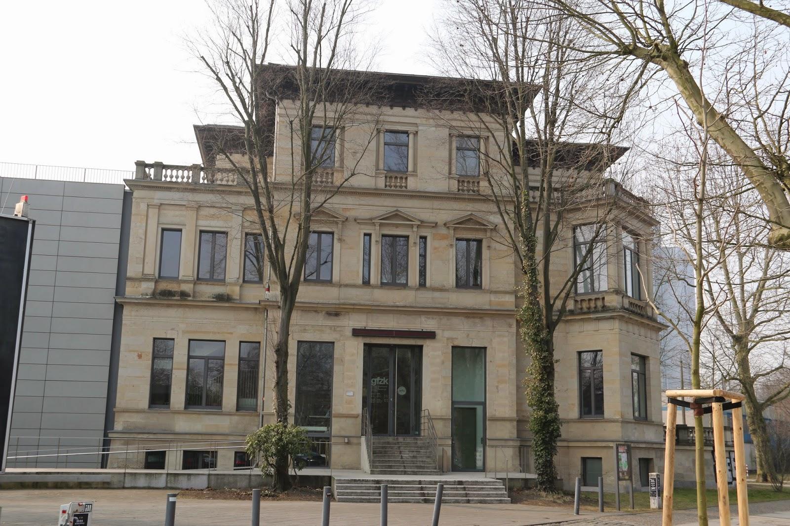 """Aktuell ist die """"Galerie für Zeitgenössische Kunst"""" seit einigen Jahren in der einstigen """"Villa Herfurth bzw. Credner"""" beheimatet"""