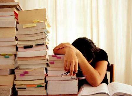 Mơ thấy thi không làm được bài