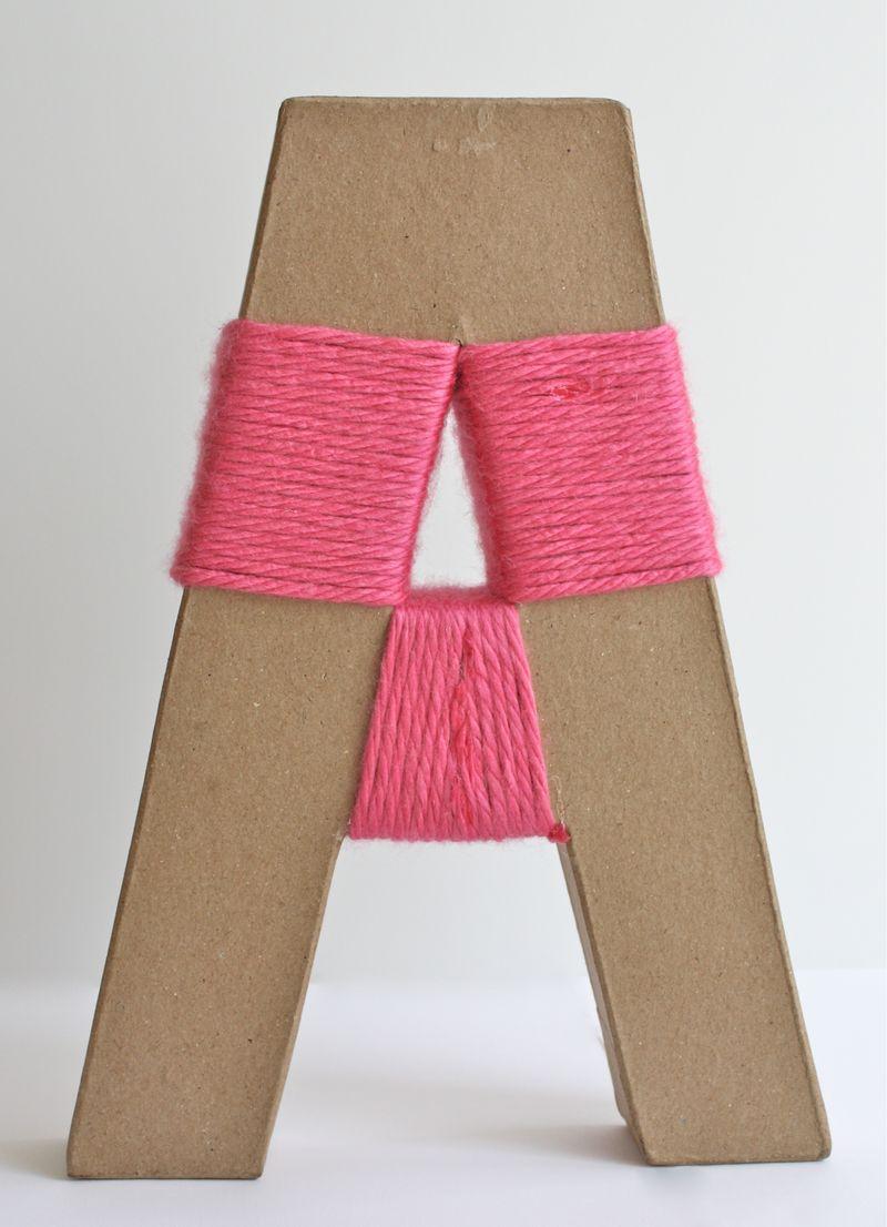 Decora con una letra de cart n y lana somosdeco blog de - Manualidades en lana ...