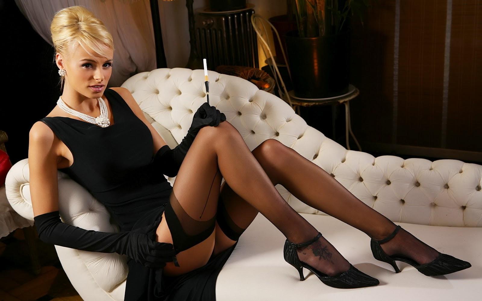 http://2.bp.blogspot.com/-Dz9WmoOLHVM/T4w8hQZtr-I/AAAAAAAAZ68/m7EM9ieG9n4/s1600/Rhian-Sugden-Hot_06.jpg