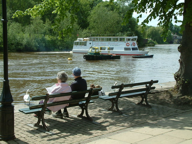 Boat rides on the River Dee, Chester