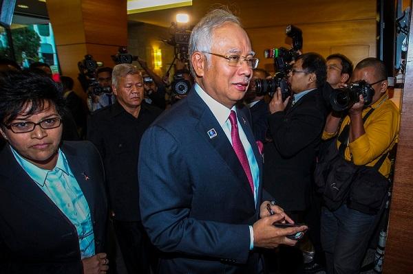 Najib terlepas pendakwaan tapi tidak selamat secara politik, kata penganalisis