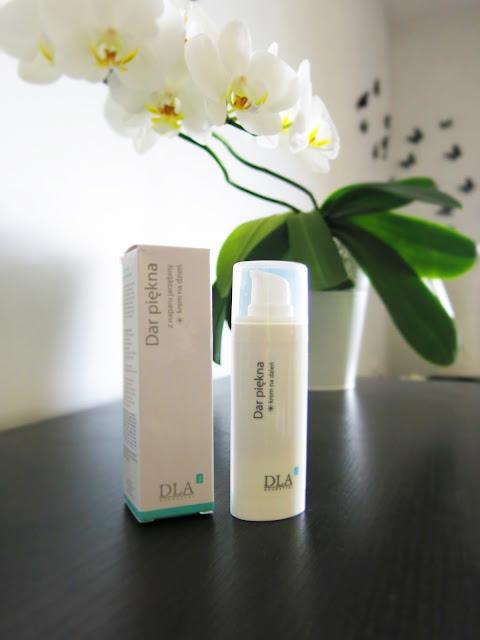 Kosmetyki DLA -  krem na dzień, Dar piękna z naparu jarzębiny.
