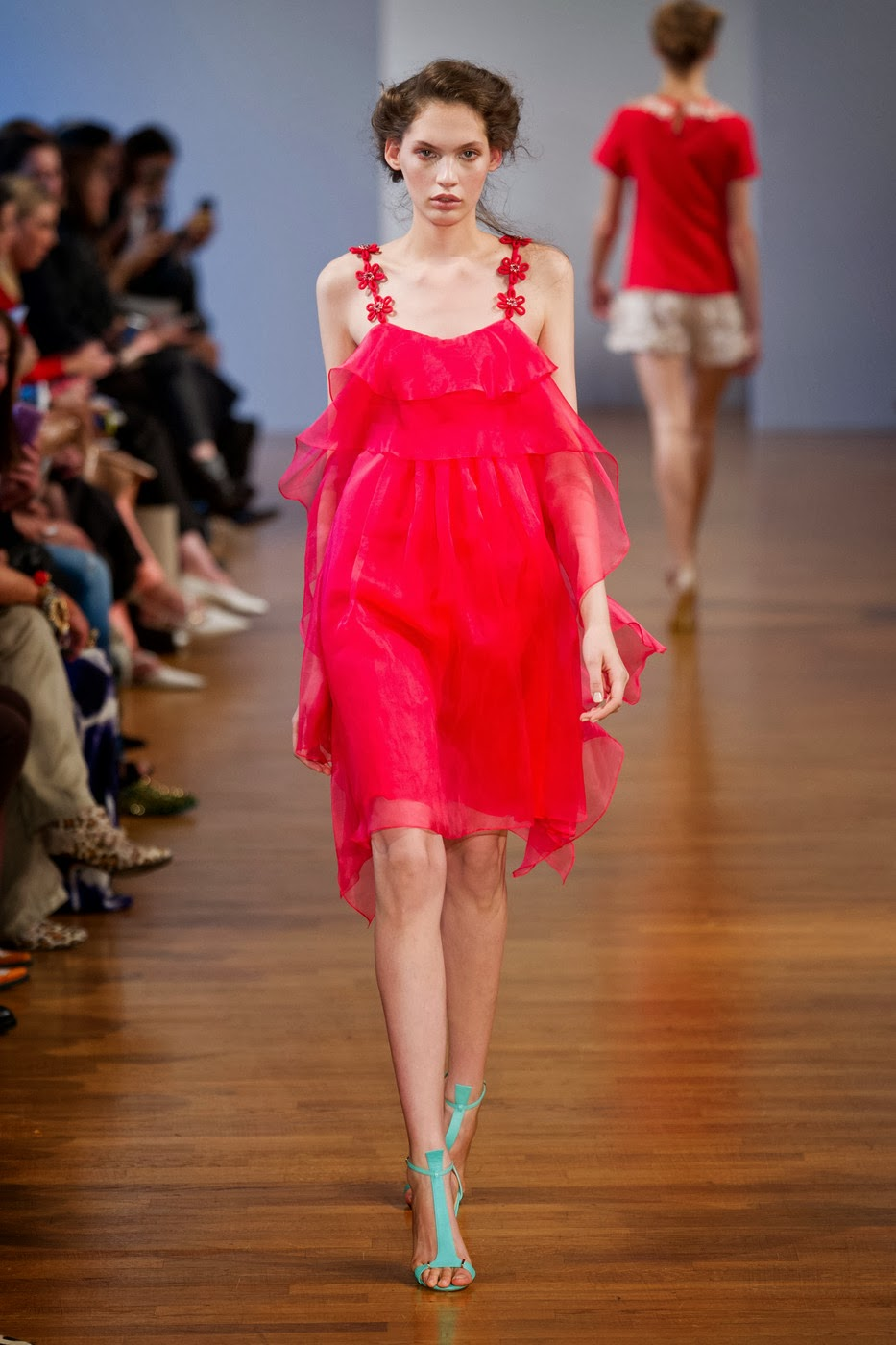 Collette dinnigan fashion show 15