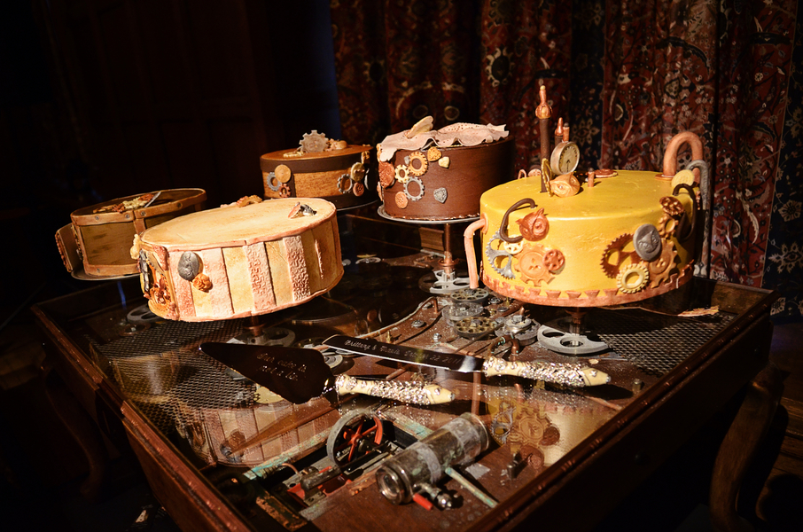 steampunk gears wedding cakes