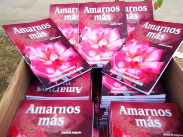 """Libro """"Amarnos Más"""" el libro de Néstor O Salgado"""