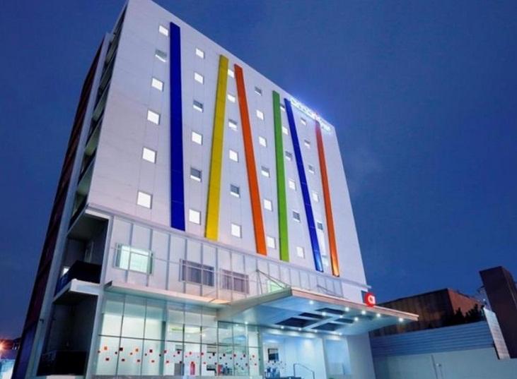 Amaris Hotel Sendiri Memang Ada Di Beberapa Tempat Jakarta Seperti Yang Berada Jl