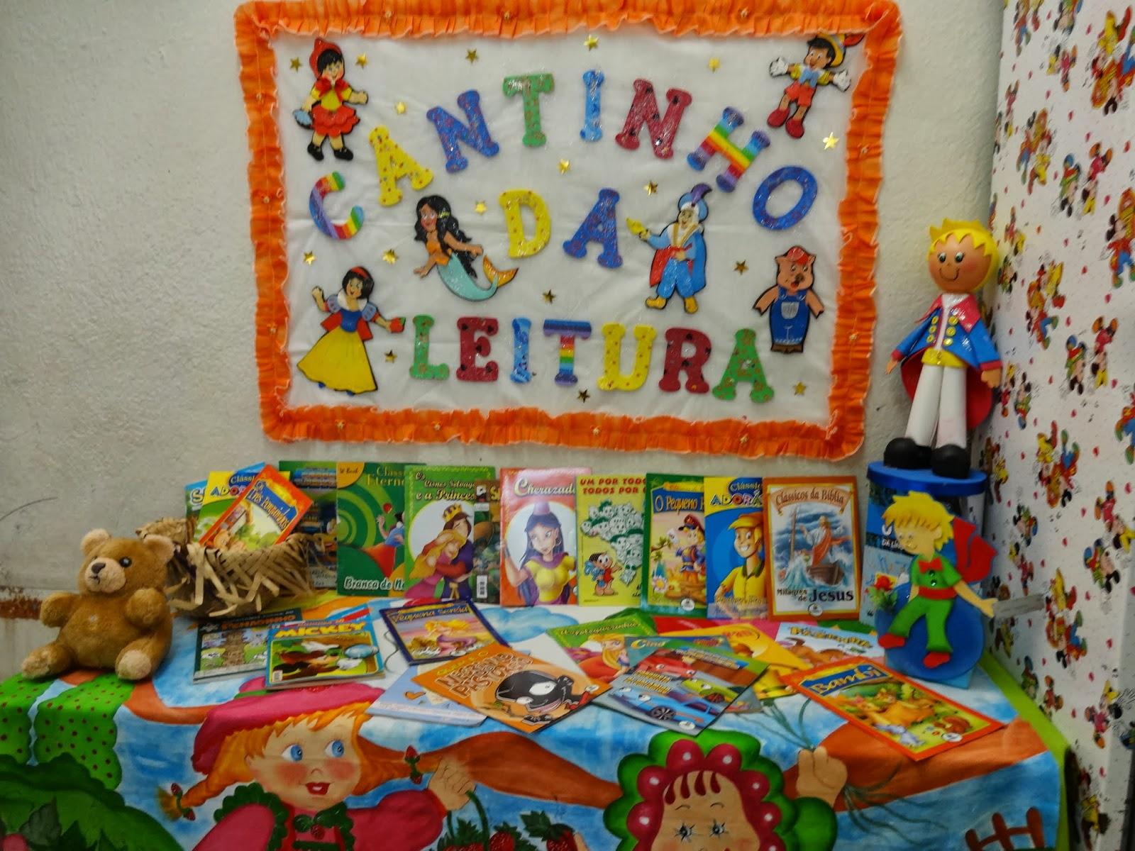 decoracao sala de leitura na escola:Criações em E.V.A: Modelo de Cantinho de Leitura para Sala de Aula
