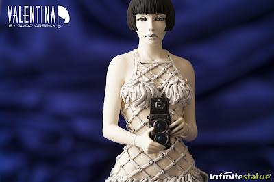 Valentina di Guido Crepax della Infinite Statue