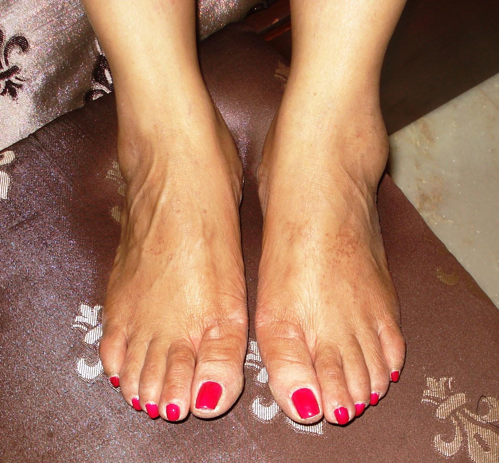 Famous ebony foot pics, hot naked sauna