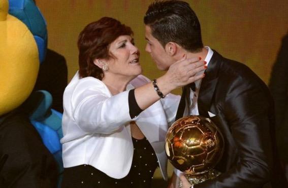 Cristiano Ronaldo hampir digugurkan semasa dalam kandungan oleh ibunya