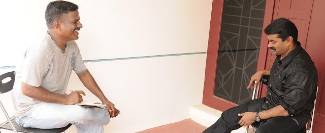 பத்திரிகையாளர் சமஸ் சீமானுடன்