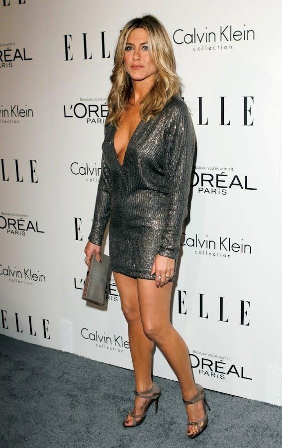 Show Jennifer Aniston