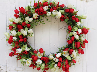 Red and White Tulip Wreath