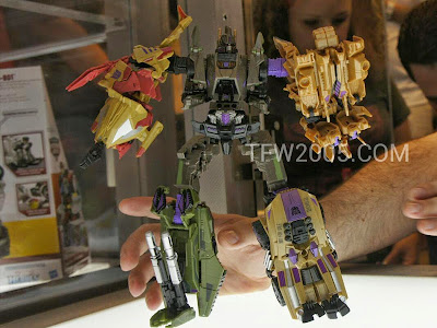 Bruticus Transformers Generations BOTCON 2012