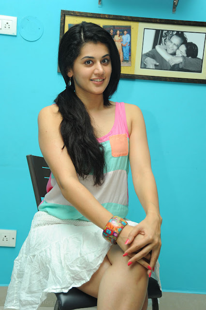 Taapsee pannu hot photos