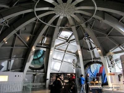 Interior Esfera Atomium, Bruselas