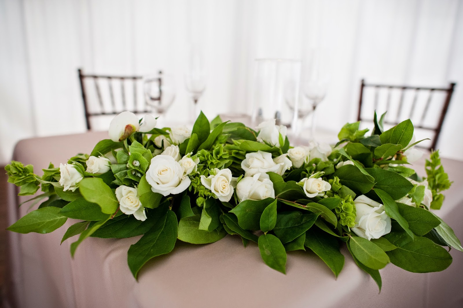 Sweetheart table white and green floral arrangement by Tahoe Blooms // Kacie Jean Photography // Take the Cake Event Planning