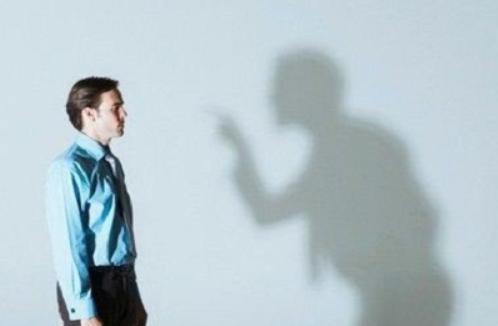 Gambar 5 Perbedaan Antara Kritik Dan Hujat - Upayawan