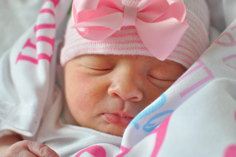 Image newborn baby girl
