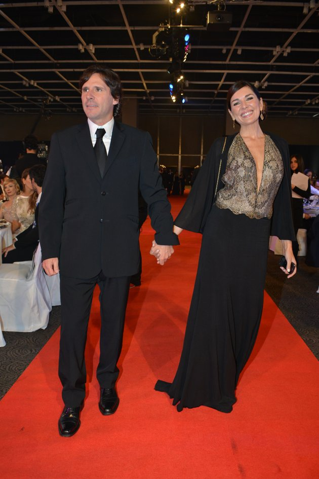 Looks Martín Fierro 2012. Nuestros famosos en la alfombra Roja.