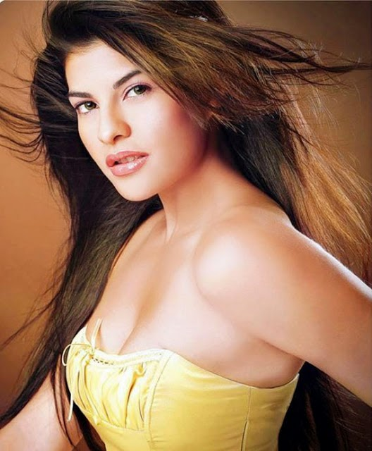 Jacqueline Fernandez Hot HD wallpapers Free Download