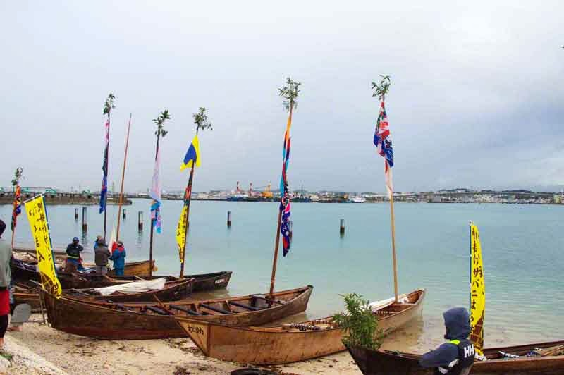 sabani boats preparing to sail, good luck pennants