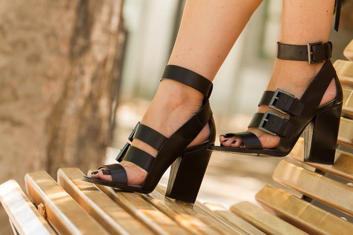 Colección de sanalias de la blogger de moda adicta a los zapatos withorwithoutshoes