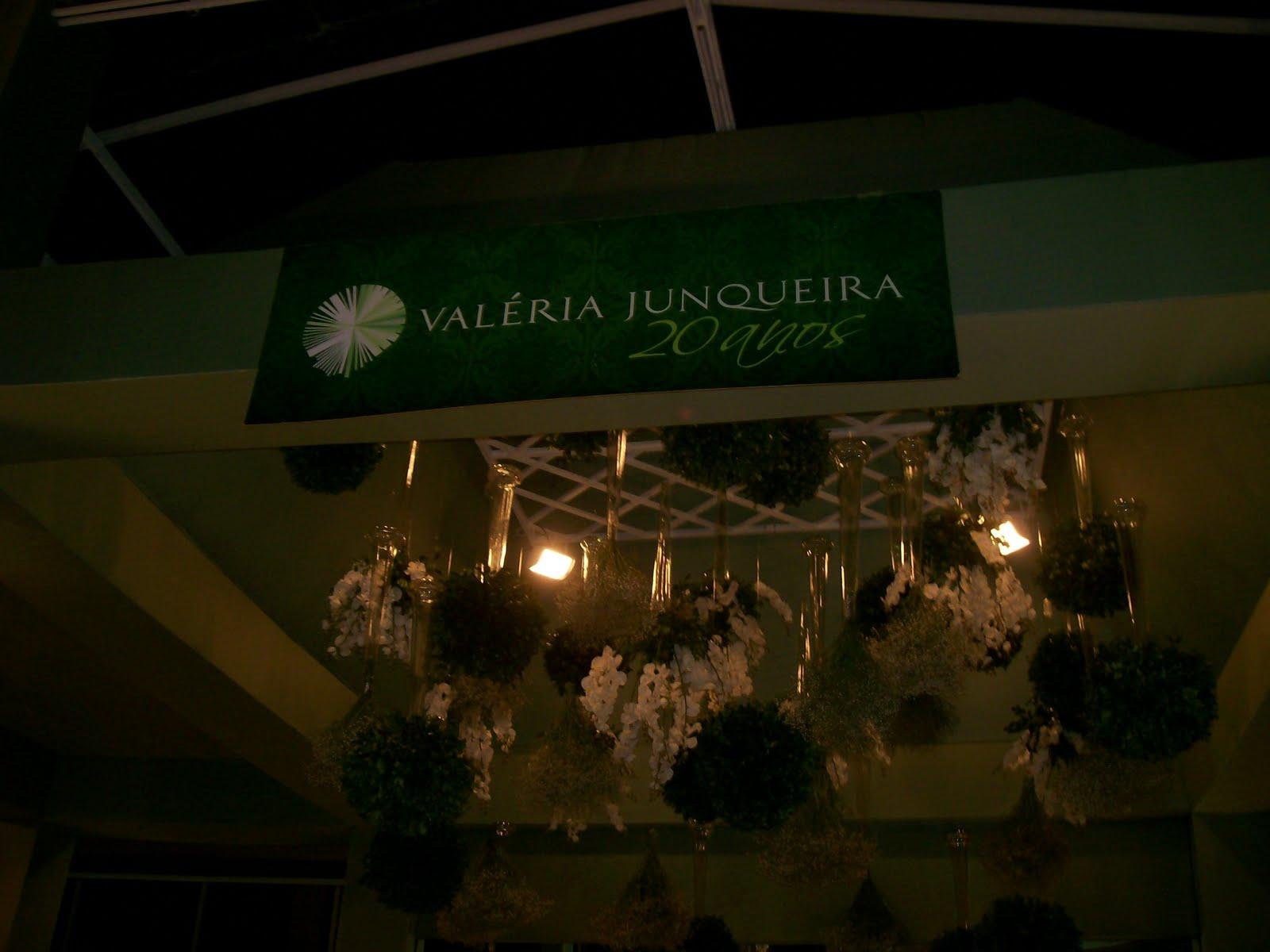 http://2.bp.blogspot.com/-E1ESXvKyY1A/Taducc0zfuI/AAAAAAAAJh0/eoZzdk-_ync/s1600/Val%25C3%25A9ria+Junqueira.jpg