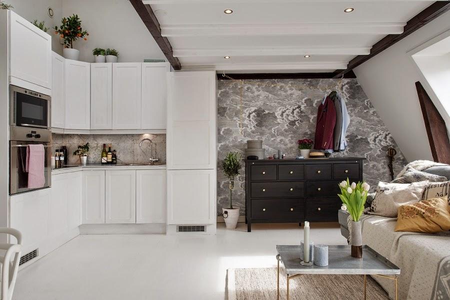 otwarta kuchnia, białe wnętrza, szara tapeta, styl skandynawski