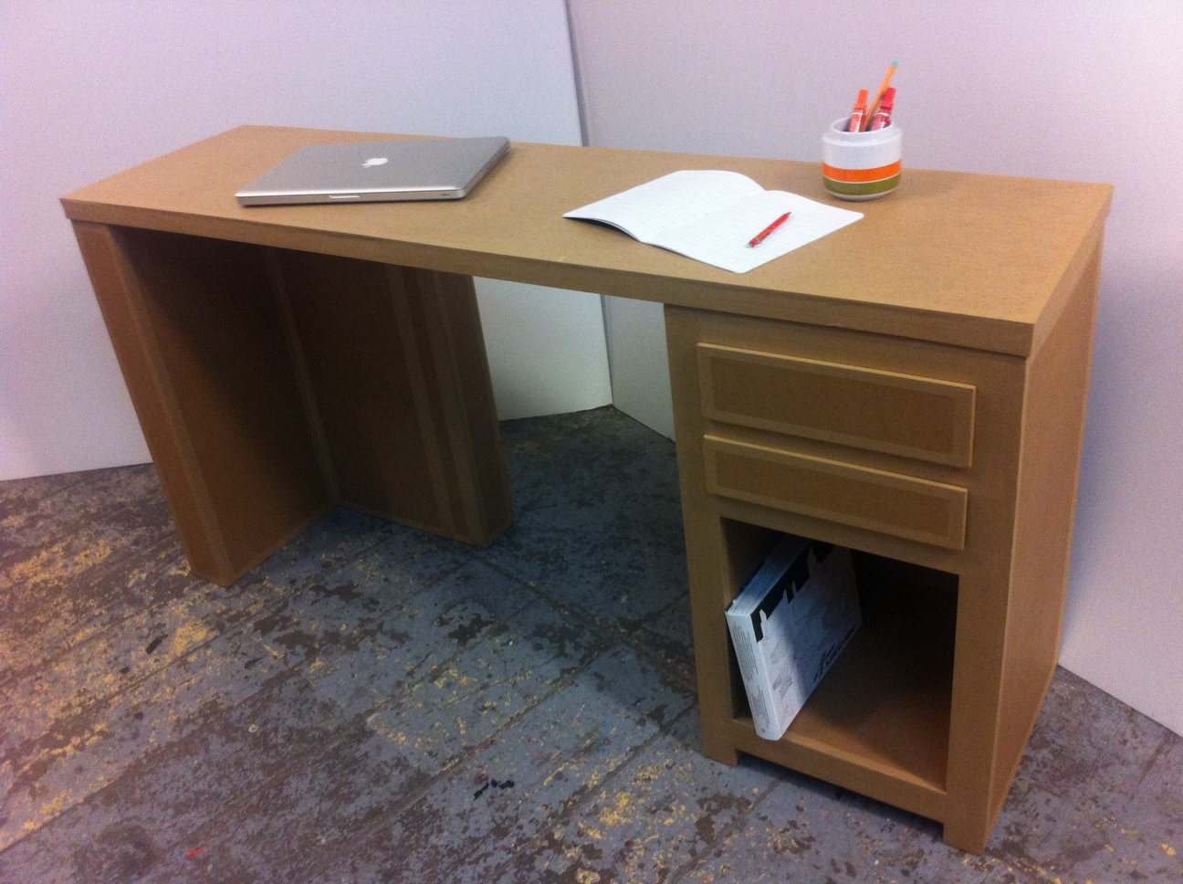 Juliadesign meuble en carton bureaux for Meuble en carton