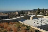 Jardins en terrasses à louer avec piscine et jardin au centre de Gordes