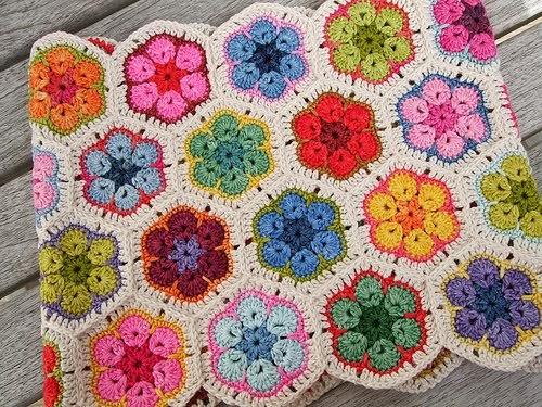 Granny Square: flor africana   Margarita Knitting