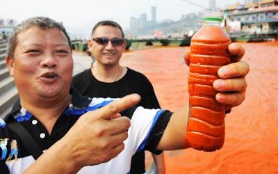 sungai yangtze bertukar merah2
