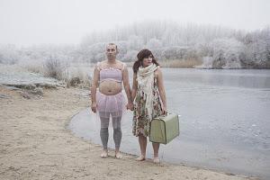 . : e, de repente, depois do auto-de-fé, eis que aparece um nevoeiro misterioso : .