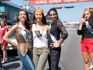 Foto Bikini Nadine Alexandra di Miss Universe 2011