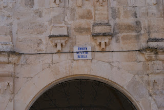 Puerta ermita Revilla