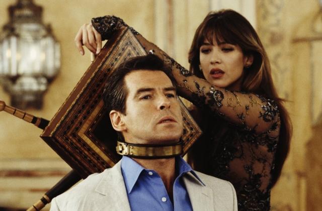 Hình ảnh phim 007: Thế Giới Không Đủ
