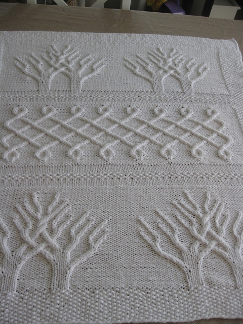 Free Knitting Pattern For Tree Of Life Baby Blanket : Of Wool and Loveliness: For Twins: The Tree of Life Afghan