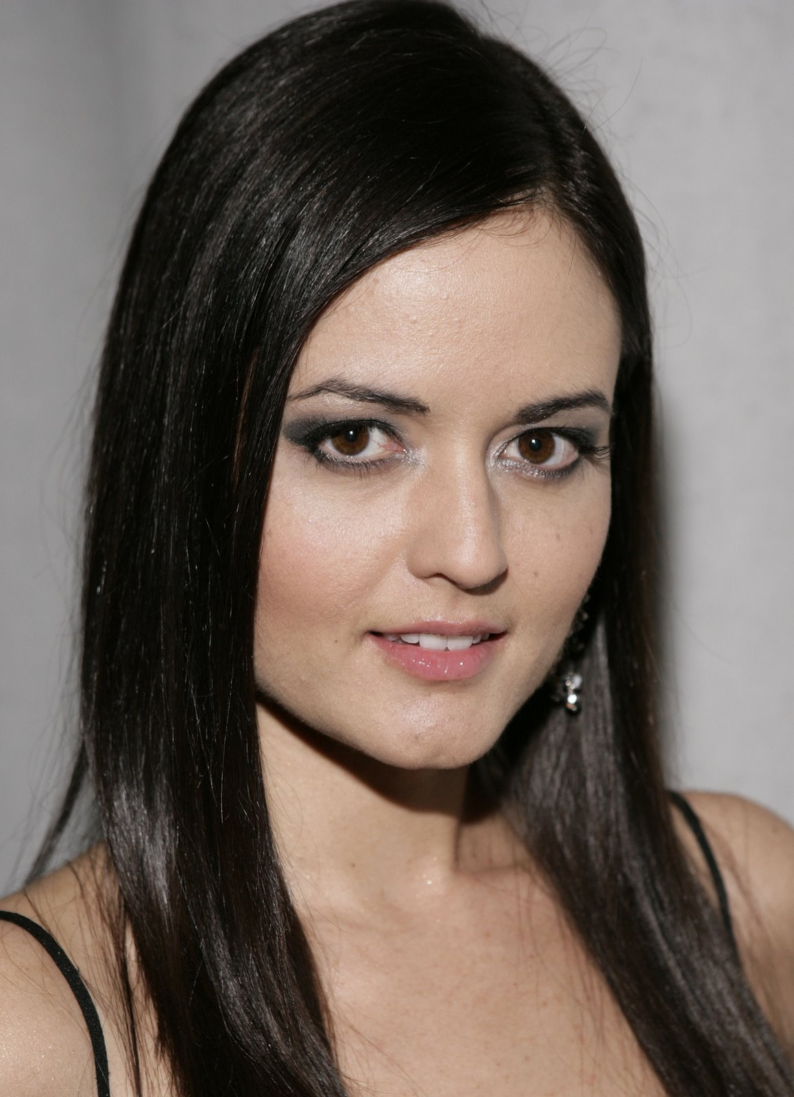 Wonder Years' Danica McKellar Teams Up with Apolo Ohno for Syfy Original ...