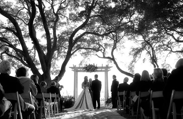charleston wedding blog, southern weddings, Charleston weddings, myrtle beach weddings, Hilton Head weddings, lowcountry weddings, café catering, horst wholesale, mikkel page photography, renaissance on Charleston harbor