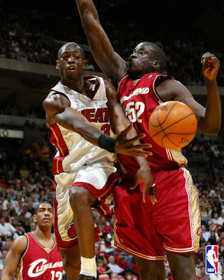 Dwyane Wade Assists LeBron James