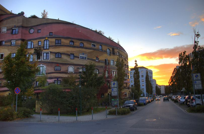 Waldspirale, The U-shaped Green Roof Residential Building in Germany