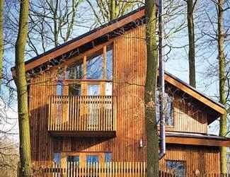 Genial Sherwood Forest Lodges Near Edwinstowe