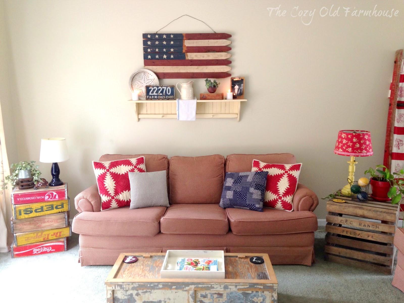 The Cozy Old Farmhouse Summer Living Room Decor