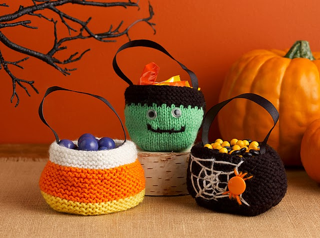Free Crochet Patterns For Trick Or Treat Bags : Knit and Crochet Trick or Treat Bags! - iKNITS