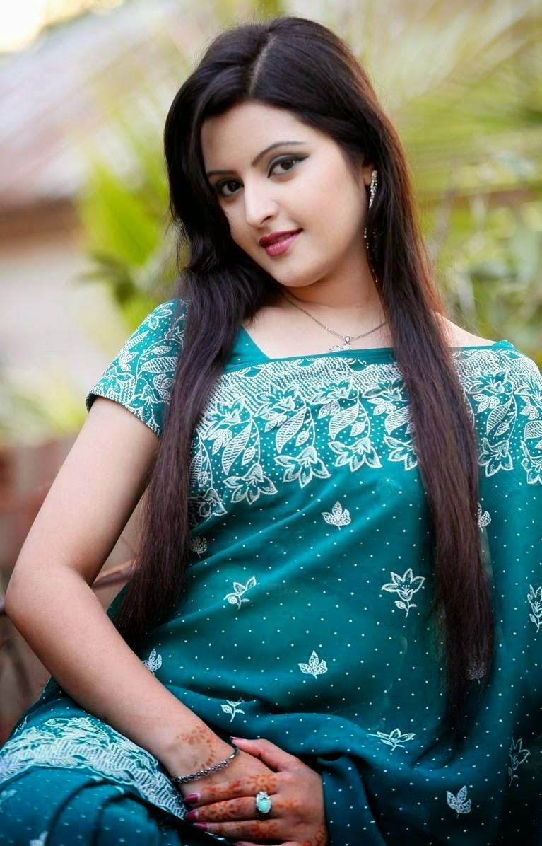 Pori Moni Spicy Bangladeshi Model and rising Actress very hot and sexy pictures Wallpapers Fee Download