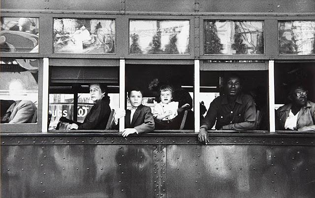 Photonews Post об апрельских аукционах Филипс. Фотография Роберта Франка