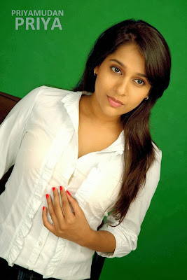 Rashmi Gautam dernière chaud photo-shoot,
